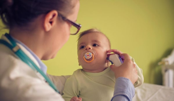 cara menggunakan termometer telinga